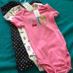 NWT Carter's 18 month 3 piece set of bodysuits